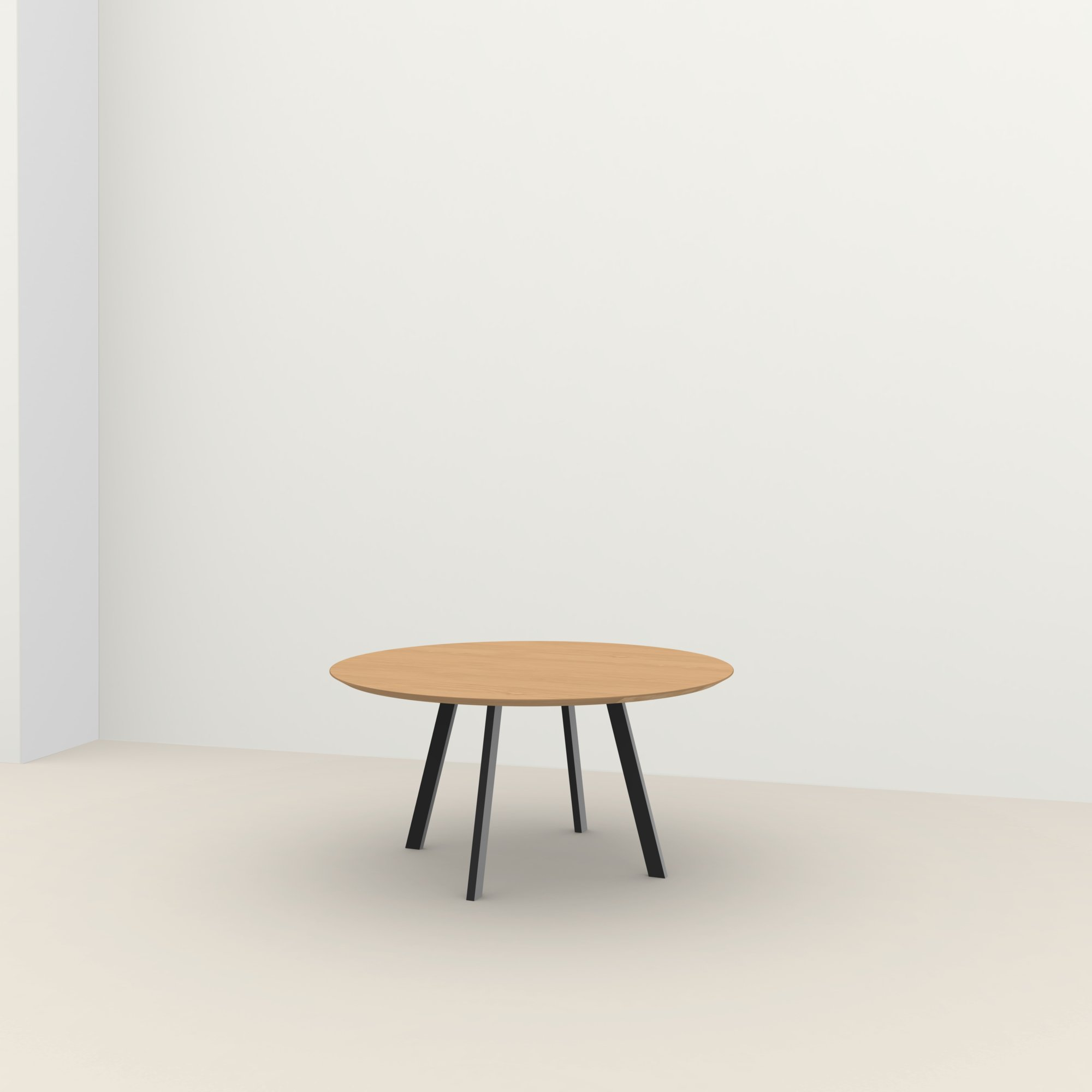 Ronde design tafel op maat | New Co Quadpod Steel black powdercoating | Oak hardwax oil natural light 3041 | Studio HENK |