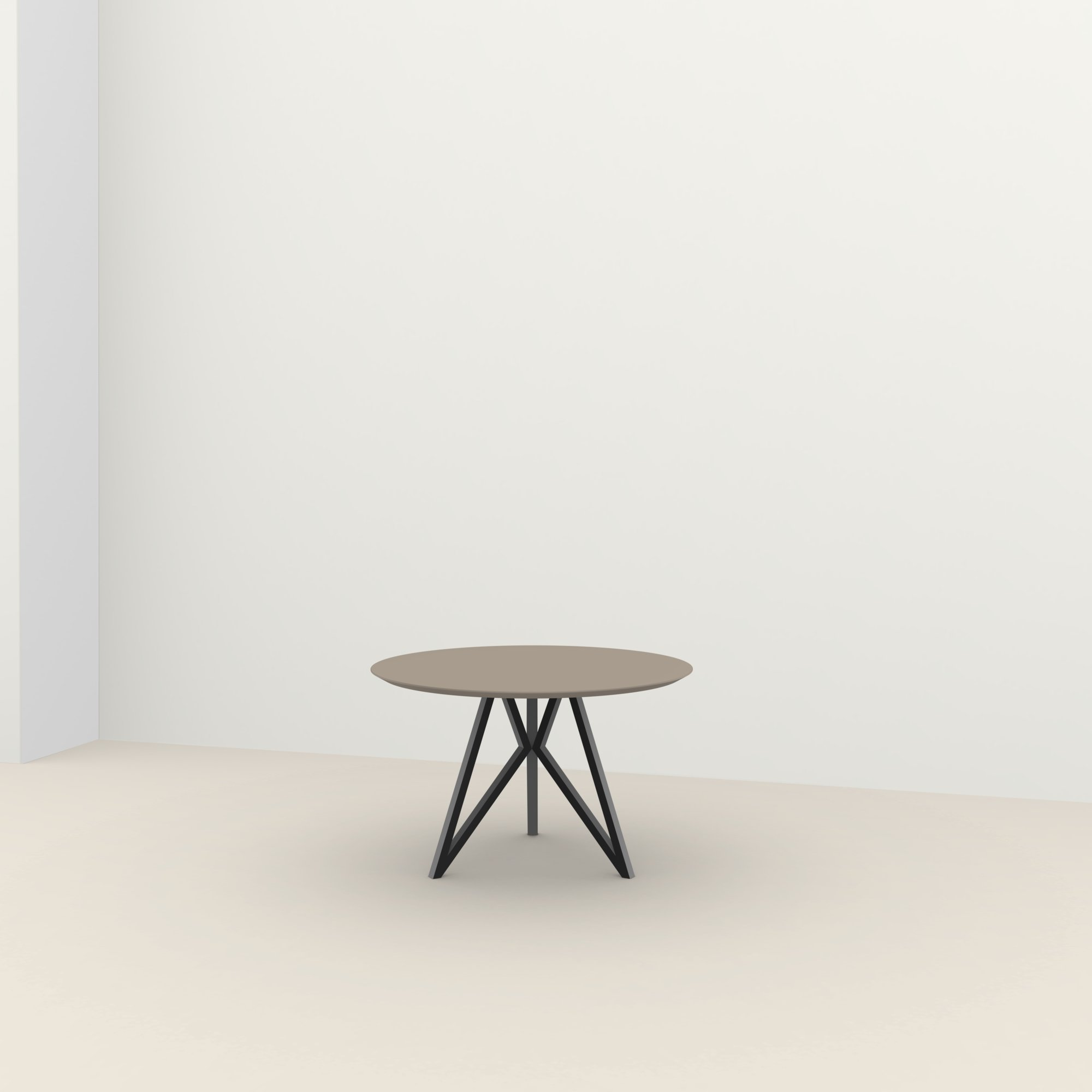 Ronde design tafel op maat | Butterfly Tripod Steel black powdercoating | HPL Fenix beige arizona | Studio HENK |