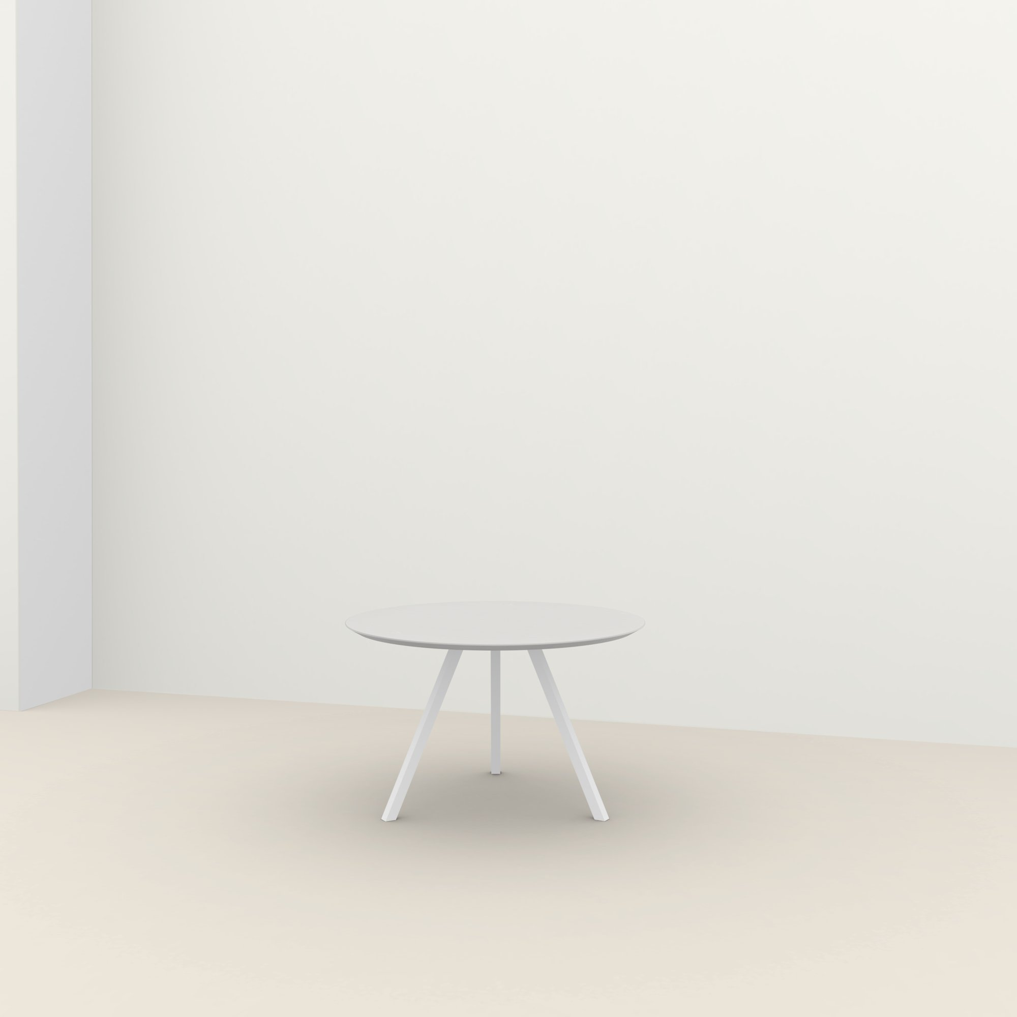 Ronde design tafel op maat | New Classic Tripod Steel white powdercoating | Oak white lacquer | Studio HENK |
