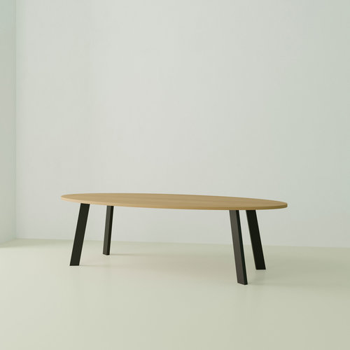 Ovale design tafel op maat | New Co Black | Oak hardwax oil natural 3062 | Studio HENK | Listing_image