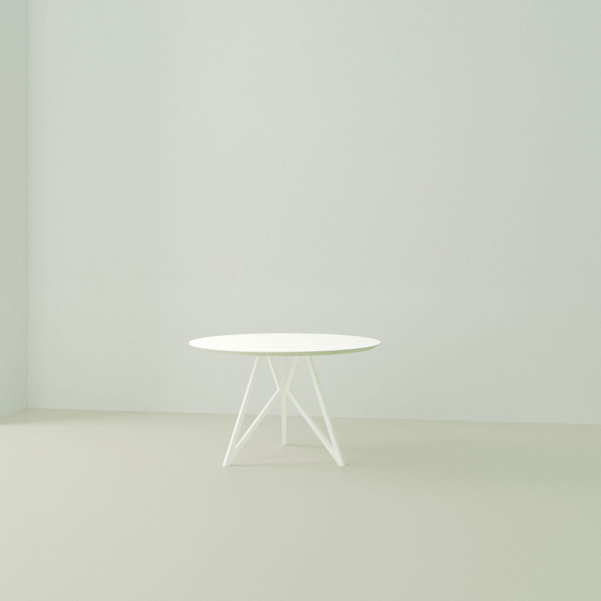 Ronde design tafel op maat | Butterfly Tripod Steel white powdercoating | Oak white lacquer | Studio HENK | Listing_image