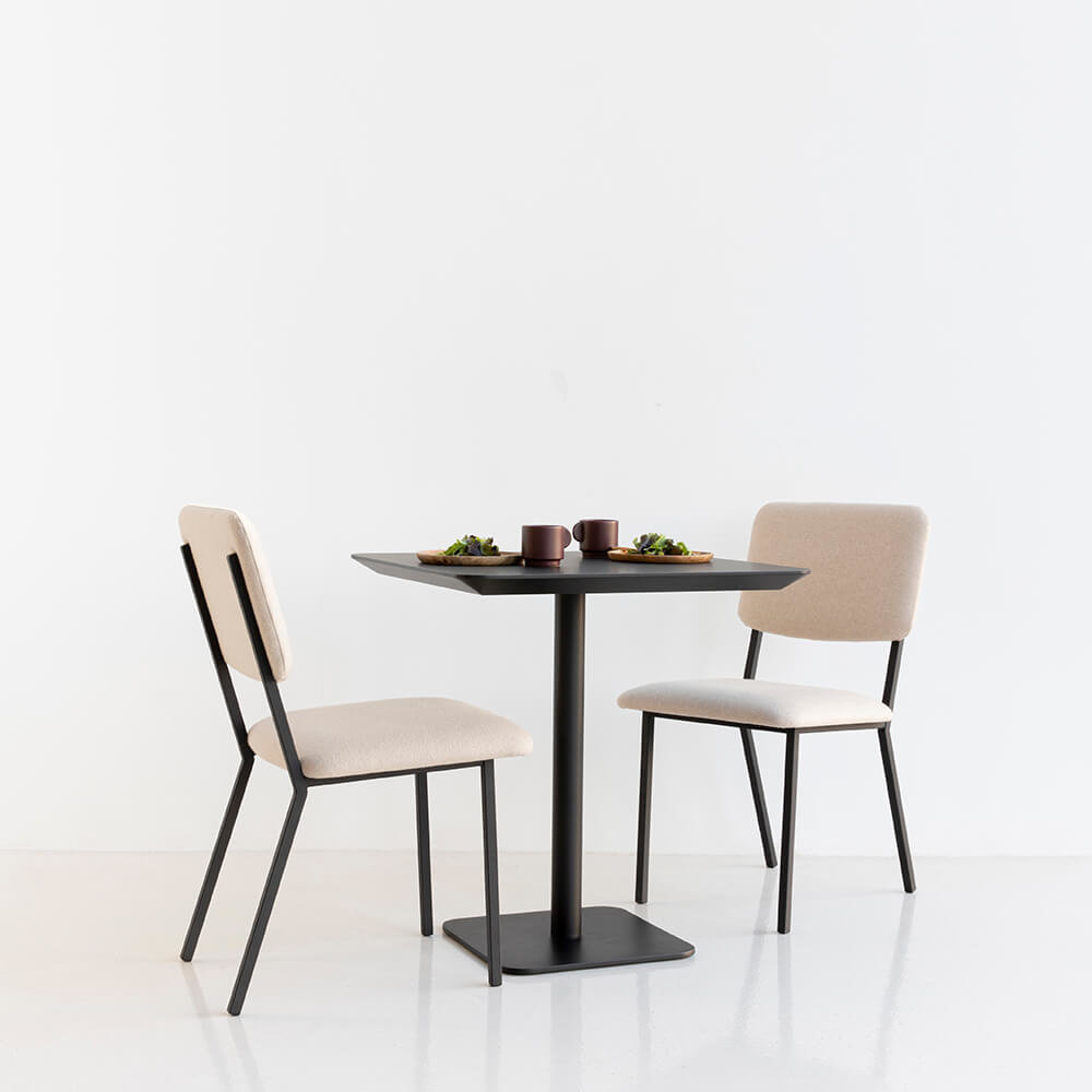 Square Design bistrotafel | Central white | HPL Fenix bianco kos | Studio HENK |
